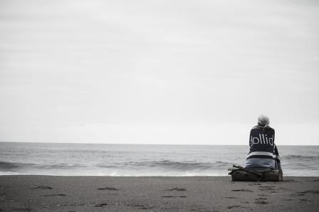 do less woman on the beach